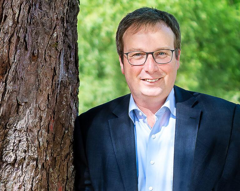 GRÜNER Bundestagsabgeordneter Krischer kommt nach Langenfeld
